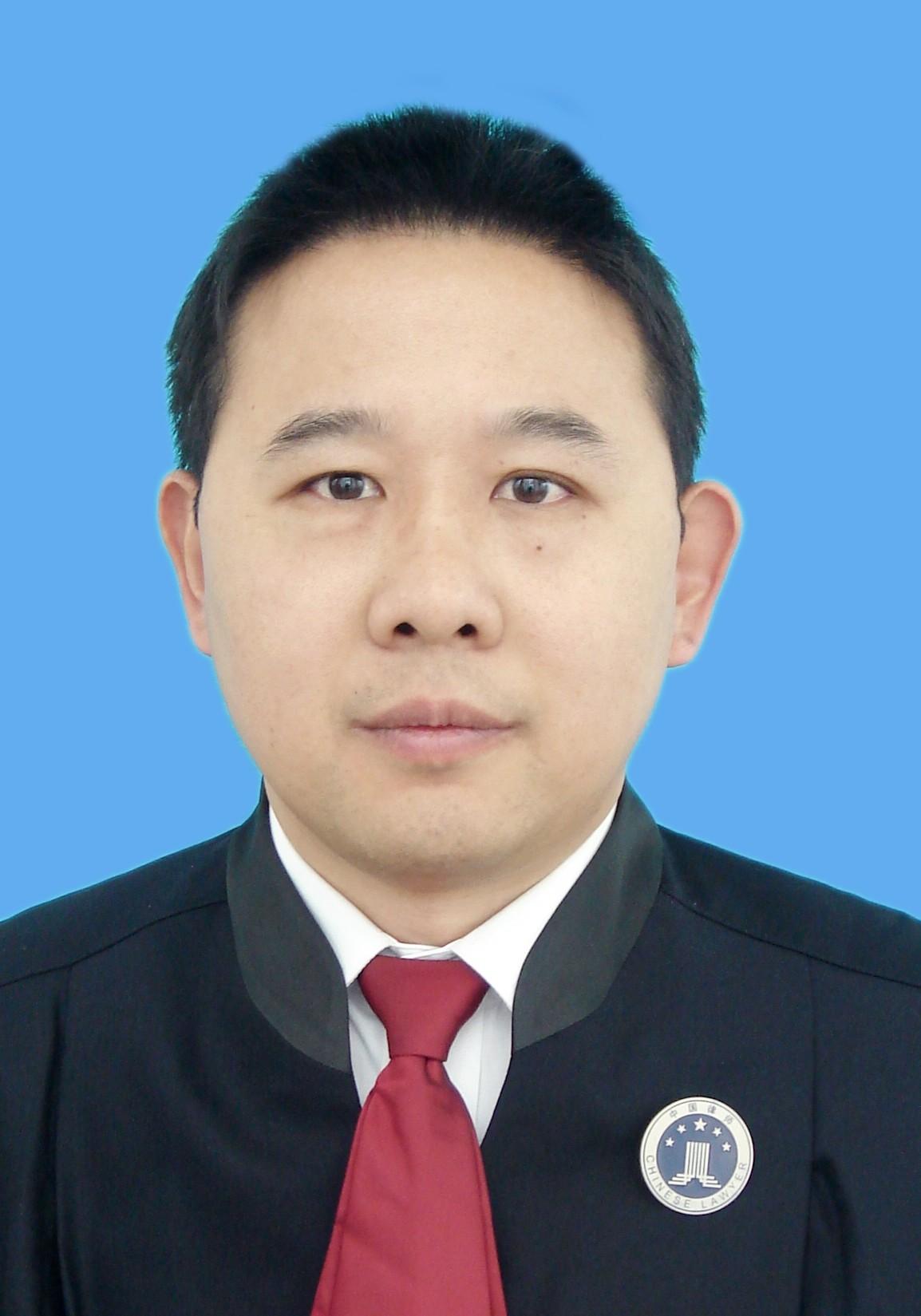 潘成东律师