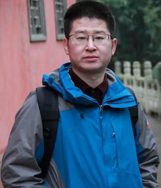 李龙昌律师